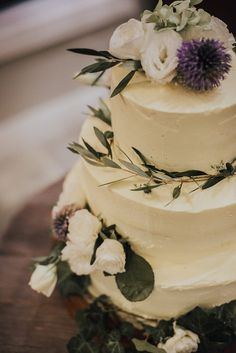 simple wedding cake for an elegant rustic wedding Wedding Looks, Wedding Stuff, Floral Wedding Cakes, Paper Lace, Cake Toppers, Rustic Wedding, Sweets, Elegant, Simple