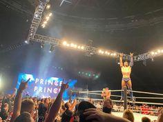 Hands up if you love Glasgow 🙌 🏴 #WWELive #WWEGlasgow #WWEUKTour Finn Balor, Glasgow, Hands, Concert, Concerts