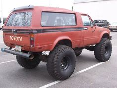 "crawlandhaul: ""Toyota Trekker. #crawlandhaul #adventure #adventuremobile #explore #wander #offroad #offroading #tactical #everydaycarry #solidaxle #prerunner #overland #overlanding #crawler... Toyota Pickup 4x4, Toyota Tacoma 4x4, Toyota Trucks, Toyota 4runner, Chevy Trucks, Pickup Trucks, Mini Trucks, Old Trucks, Hilux Mods"