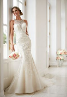 Elegant High Neck Wedding Dress | Stella York 6435 | http://trib.al/b1MLjGX
