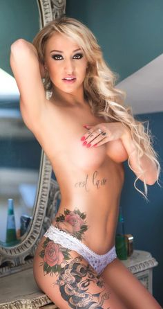 Crown tattoo on pussy stacy