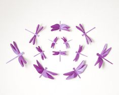 Dragonfly Wall Art: Paper dragonflies for woodland nursery, whimsical decor in radiant orchid Dragonfly Wall Art, Dragonfly Tattoo, 3d Paper, Paper Crafts, Purple Nursery Decor, Tissue Paper Flowers, 3d Wall Art, Craft Gifts, Orchids