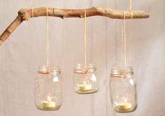 DIY : récupérer des bocaux vintage pour réaliser une suspension de photophores avec du bois flotté : http://blogatmosphere.com/diy-des-suspensions-photophores-a-partir-de-bocaux/