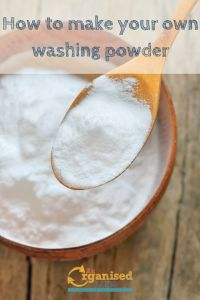 This guide to how to make your own washing powder is super easy with only 3 ingredients. It's cheap & free of the chemicals you find in commercial powders. Baking Soda For Cooking, What Is Baking Soda, Baking Soda For Skin, Baking Soda Beauty Uses, Baking Soda Health, Arm And Hammer Baking Soda, Baking Soda On Carpet, Baking Soda Uses, Baking Soda Baking Powder