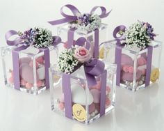 High quality Plexiglas small box with three different varieties of confetti candies, silk ribbon, hand-made flower composition. (Cool Crafts With Candy) Wedding Gift Boxes, Wedding Gifts For Guests, Wedding Favours, Party Favors, Wedding Invitations, Elegant Wedding, Diy Wedding, Wedding Day, Wedding Bells