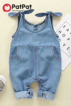 Baby/Toddler's Denim Suspender Jumpsuit – Kinderkleidung nähen - Baby Clothes Cute Baby Clothes, Baby & Toddler Clothing, Toddler Boys, Girl Clothing, Babies Clothes, Children Clothes, Baby Girl Fashion, Kids Fashion, Toddler Fashion
