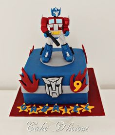 Optimus Prime Transformer Cake Ryan wants for his birthday Transformer Birthday, Transformer Cake, Rescue Bots Birthday, Transformers Birthday Parties, Niklas, Superhero Cake, Novelty Cakes, Cakes For Boys, Celebration Cakes