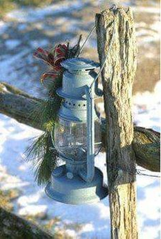 Cool 38 Inspiring Christmas Lantern Ideas for Outdoor Decoration. More at http://dailypatio.com/2017/12/03/38-inspiring-christmas-lantern-ideas-outdoor-decoration/