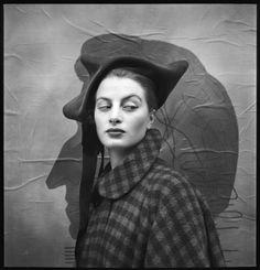Capucine, hat by Dior, Paris, August 1948   Ricard Avedon