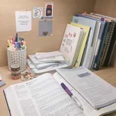 Study Desk, Study Space, Study Room Decor, Study Corner, Stationary School, Study Organization, Study Pictures, School Study Tips, Study Areas