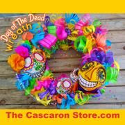 Day of the Dead wreath & Halloween skulls decoration. Day of the dead// Day of the Dead decorations// Halloween wreath// Halloween decorations #Halloweendecorations #Halloweenwreath #Dayofthedeaddecorations #Dayofthedeadwreaths #Dayofthedead
