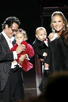 Jennifer Lopez and Marc Anthony and their twins Max and Emme, Jennifer Lopez Family, Jennifer Lopez Marc Anthony, Jennifer Lopez Movies, Shakira, Celebrity Couples, Celebrity News, Alex Rodriguez, Ariana, Cute Celebrities