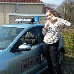 Autorijschool Herlaar in Assen, Drenthe Gefeliciteerd Dagmar in 1x geslaagd!!! #Assen #rijlesassen #autorijschool Herlaar www.autorijschool-herlaar.nl #rijles #rijschool #tussentijdsetoets #cbrassen #rijlessen
