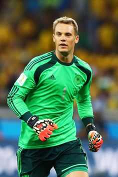 Manuel Neuer Manuel Neuer Of Germany During The 2014 Fifa World Cup Pictures Best Football Players, Soccer Players, Football Team, Fcb Barcelona, German National Team, Germany Football, Sports Celebrities, Fifa World Cup, Goalkeeper