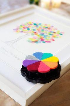 結婚式のテーマカラーを決めるのって、実はとても大変な作業。そこで七色を使ったレインボーウェディングを提案♡七色が合わさることで、生まれる楽しい雰囲気が最高です。ポップでカラフル、まるでフェスのような結婚式ができるんです。