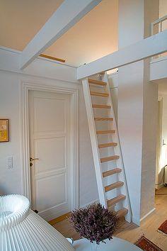 Attic Loft, Loft Room, Basement House, House Stairs, Loft Staircase, Spiral Staircases, Staircase Design, Shed Interior, Interior Architecture