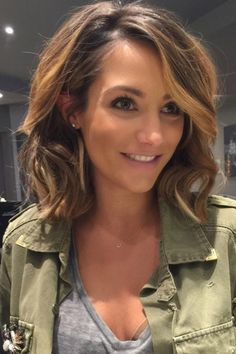 Frankie Bridge Totally Suits Her New Glossy Mid-Length Locks, 2015