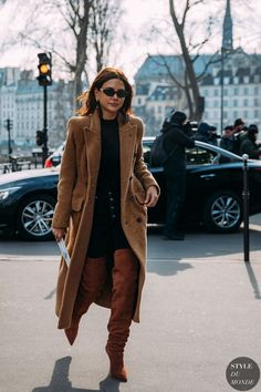 Paris FW 2018 Street Style: Christine Centenera - All About Fashion 20s Fashion, Look Fashion, Trendy Fashion, Autumn Fashion, Womens Fashion, Fashion Ideas, Fashion Styles, Fashion Spring, Fashion Killa