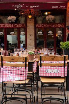 {The Paris Busy Bee Blog}: Cameos of France by Natacha: Lyon.... Bouchon Lyonnais (a traditional Lyonnaise restaurant)