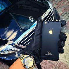 Golden Concept #LuxuryEdition Colorful Edition Iphone _______________________________________ Golden Concept lüx telefon üretip satışa sunan bir firma olmakla birlikte,sahip oldugunuz telefonlarıda kasa değişikliği ile kişiye özel bir telefona dönüştürebilir _______________________________________ Detaylı bilgi için ; 0090 532 625 6617 #goldenconcept #luxury #istanbul #luxuryphone #yatchlife #luxurylifestyle #specialedition