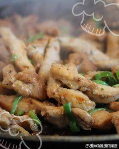 Low Carb Rezept selbstgemachtes Hähnchen-Gyros an Gurkensalat. Wenig…
