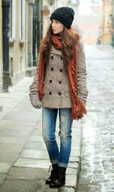 Perfect winter outfits woolen hat, knitted scarf and warm pea-coat Women Fashion Galaxy Stylish Winter Outfits, Winter Fashion Outfits, Fall Winter Outfits, Look Fashion, Autumn Winter Fashion, Womens Fashion, Casual Winter, Winter Style, Cozy Winter