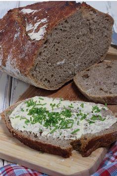 """Selbstgemachtes Brot im Römertopf. Ein neues """"Küchenutensilien"""" bereichert meine Küche. Das Rezept dazu und wie ich ihn finde erfahrt ihr auf meinem Blog."""