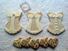 Cookies decorados pela Margaret, idéia linda, super originais para chá de lingerie.