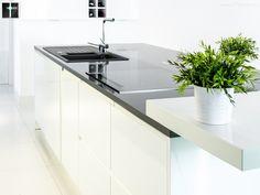 Blaty do kuchni - ciemny kolor kamienia - wysoki kontrast. #kitchen #arragments #kuchnia #homedecor #home #exclusive