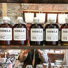 """#noblemaplesyrup 선물하면 좋을것 같은 #메이플시럽  @oldfaithfulshop #gastown #vancouver  #밴쿠버 #packagedesign"""