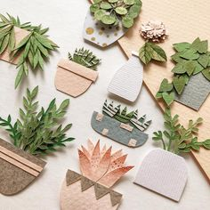 brown kraft paper crumpled up to create bat cave. Bat signal cut out in black paper as bats leading down into the bat cave. Felt Crafts, Diy And Crafts, Paper Plants, Diy Papier, Paper Artwork, Paper Flowers Diy, Craft Projects, Decoration, Handmade