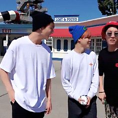 WHAT IS THIS HEIGHT DIFFERENCE. GOODBYE.<<<Jimin being an obedent puppy tho
