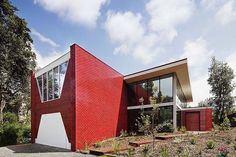 Love the use brick on this modern design // Finn House in Silverleaves by WoodWoodWard Architecture Glazed Brick, Red Walls, Brick Walls, Built Environment, Modern Architecture, Installation Architecture, My Dream Home, Facade, Modern Design