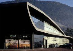 Image result for modern grocery store exterior Heart Of Europe, Curved Lines, Grocery Store, Exterior, Architecture, Modern, Design, House, Fresh Thyme