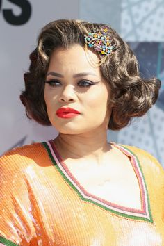 Andra Day Short Curls - Andra Day brought a dose of vintage glamour to the BET Awards with these retro curls.