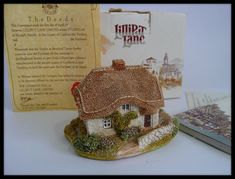 Lilliput Lane Miniature House Clover Cottage With Club Box & Certificate