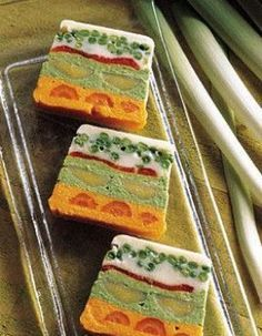 terrine de légumes Plus Veggie Recipes, Vegetarian Recipes, Snack Recipes, Cooking Recipes, Healthy Breakfast Recipes, Healthy Recipes, Food Is Fuel, Yogurt Breakfast, Food Design
