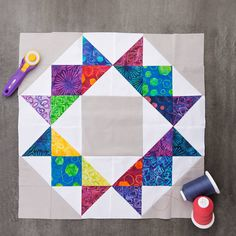 The Crown Quilt designed by Jenny of Missouri Quilt Co Star Quilt Patterns, Star Quilts, Mini Quilts, Scrappy Quilts, Dog Quilts, Stitching Patterns, Canvas Patterns, Quilt Blocks Easy, Easy Quilts