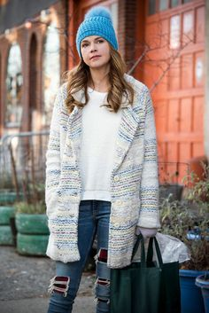 An over-sized sweater and ripped jeans are knock street style ensemble. From the creator of Sex and The City, 'Younger' stars Sutton Foster, Hilary Duff, Debi Mazar, Miriam Shor and Nico Tortorella. Discover full episodes at