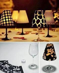 Original e improvisado centro de mesa, ideal para dar un toque cálido a la mesa. Sólo necesitas una vela, una copa y un papel bonito para c...