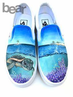 Custom Painted Vans Shoes – Hand Painted Sea Turtle, Coral, Islands - All About Custom Vans Shoes, Custom Painted Shoes, Painted Vans, Painted Canvas Shoes, Painted Sneakers, Hand Painted Shoes, Vans Shoes Fashion, Sharpie Shoes, Tenis Vans