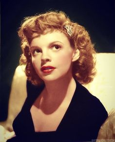 June 1922 – June was an American actress, singer and vaudevillian. Old Hollywood Glamour, Golden Age Of Hollywood, Hollywood Stars, Classic Hollywood, Vintage Hollywood, Hollywood Icons, Hollywood Actresses, Actors & Actresses, Judy Garland Liza Minnelli
