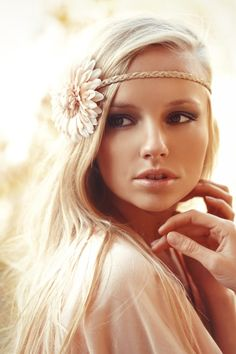 @Marina Zlochin Zlochin Azul- Once you grow your hair out, I can see you rocking this look with your lace shorts and a vintage-inspired top. It would be 20s glam meets flower child. Making this hairpieces so cute