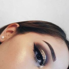 """We absolutely loved Leslie's super snatched look  We're feeling it @leslie.villan  Products she used were: - #LessIsBetter Eyeshadow Palette  (what everyone's raving about) - Precision Eyeliner - Super Colour Eyeliner in """"101"""" Shimmering Gold  If you have a look you want to share with us, please tag us at @KIKOMILANOUSA with hashtags #KIKOTrendSetters #KIKOmilano #KIKOUSA to be next in being featured on our page  #instastyles #instafashionista#kikomilano #kikomilanomakeup#projectseptember…"""