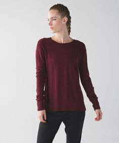Perfect for sunsets on and off the mat, this open-back crewneck  is a festival essential. We started with soft Merino Wool for its natural breathability and left the rest up to you. Leave the back open for evening concerts under the stars or button it up for Down Dogs in the wild.