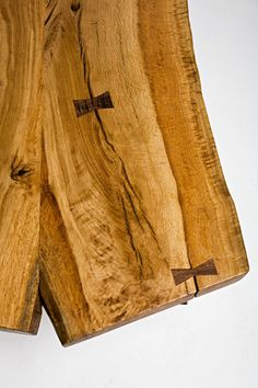 Live edge coffee table. Salvaged material from California urban forestry. Wood slab. Living edge. Live oak. Butterfly key joinery. Figured Oak.