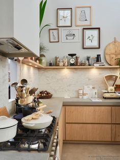 Strategy, formulas, together with manual beneficial to getting the most ideal outcome as well as making the optimum usage of Classy Kitchen Decor Kitchen On A Budget, Home Decor Kitchen, Kitchen Interior, New Kitchen, Home Kitchens, Kitchen Dining, Kitchen Ideas, Rustic Kitchen, Kitchen Walls