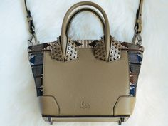 PurseBlog reviews luxury designer handbags and accessories in a daily editorial.