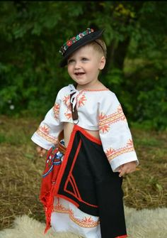 Slovakia Bratislava, Costumes Around The World, Folk Embroidery, Beautiful Costumes, Baby Costumes, Folk Costume, Eastern Europe, People Around The World, Traditional Outfits