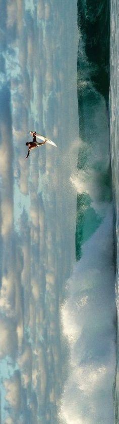 Gabriel Medina in action in Hawaii, shot by Duncan Macfarlane. win.gs/QmXHXI #surf Hawaii Gabriel Medina